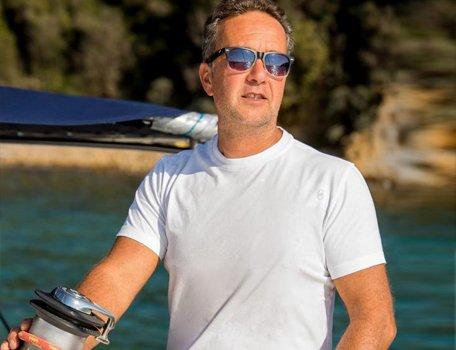 skipper-catamarano-vacanze-in-toscana