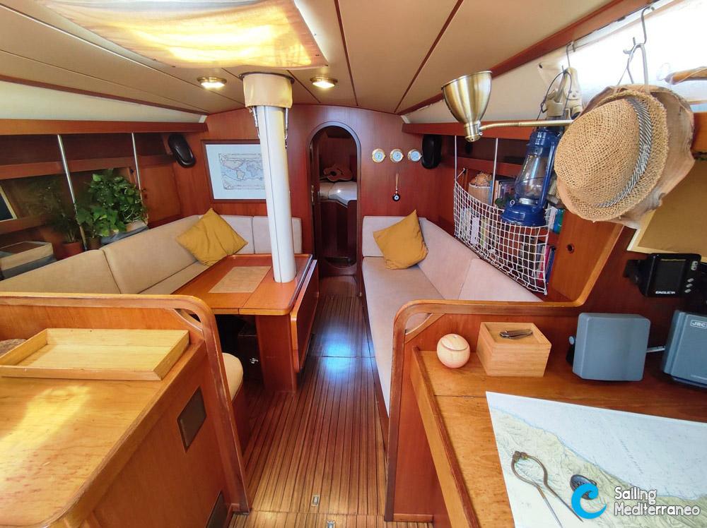 01_interni-barca-a-vela-per-vacanze